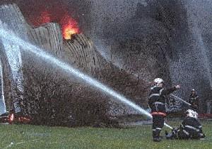 Incendie Dans Une Fabrique De Colles.