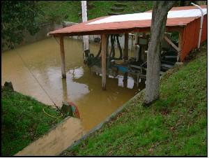 Inondation D'une Usine De Fabrication De Produits Explosifs