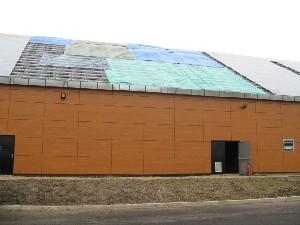 Feu De Panneaux Photovoltaïques Sur Le Toit D'un Entrepôt
