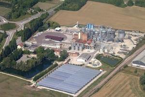 Inondation D'une Distillerie De Recyclage De Solvants
